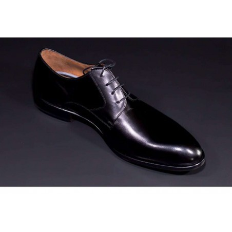 Zapato para hombre de cuero.